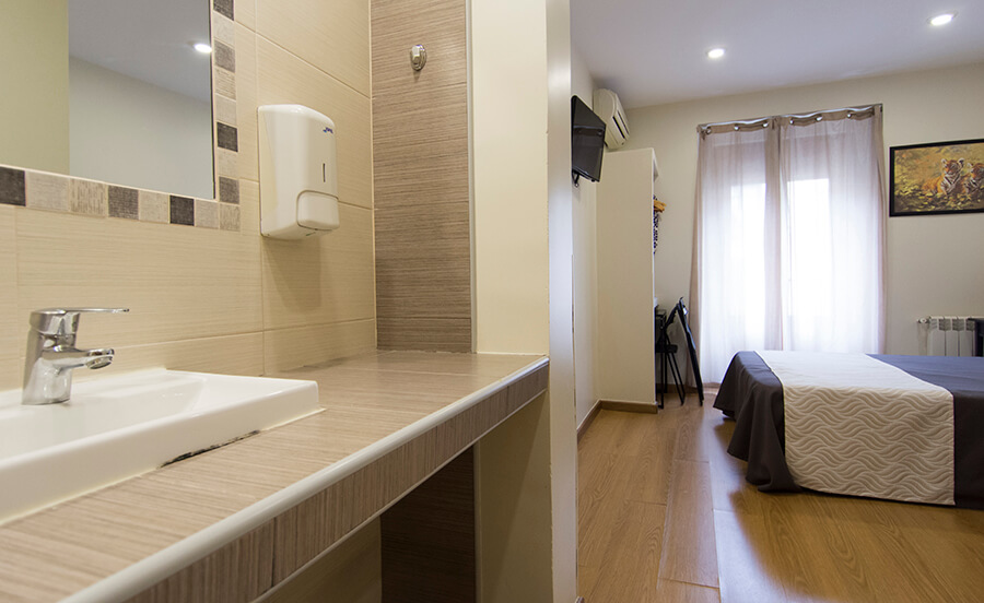 Art Madrid Hostal | Double room